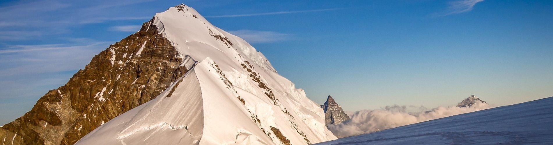 Parete Nord del Lyskamm e Monte Cervino dal Colle del Lys